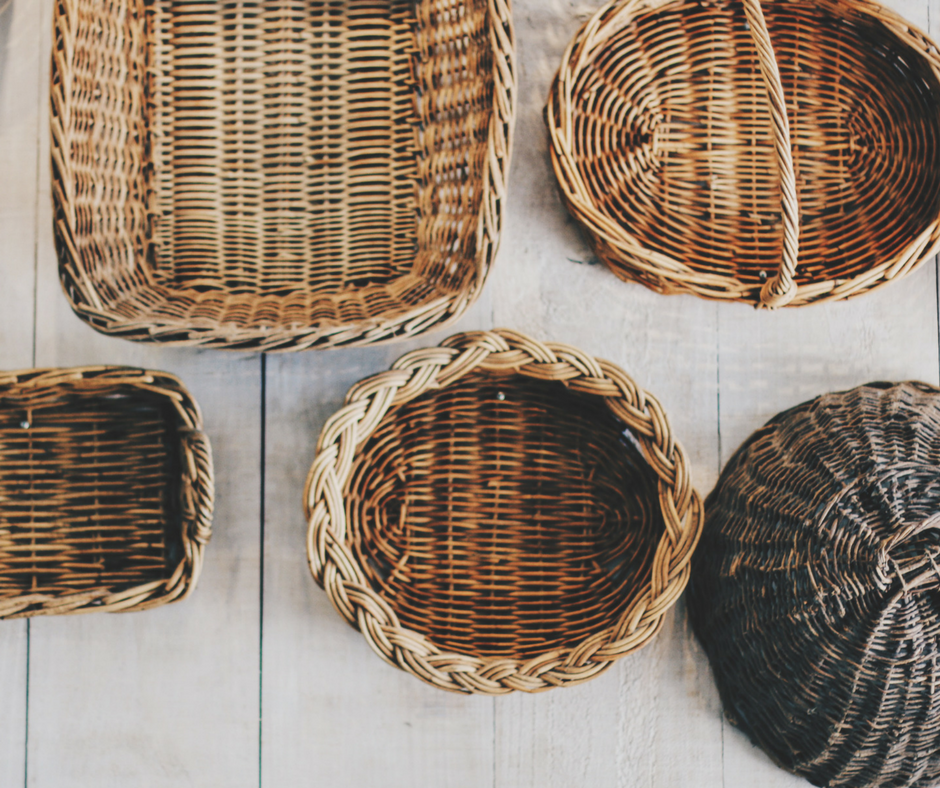 Baskets organize